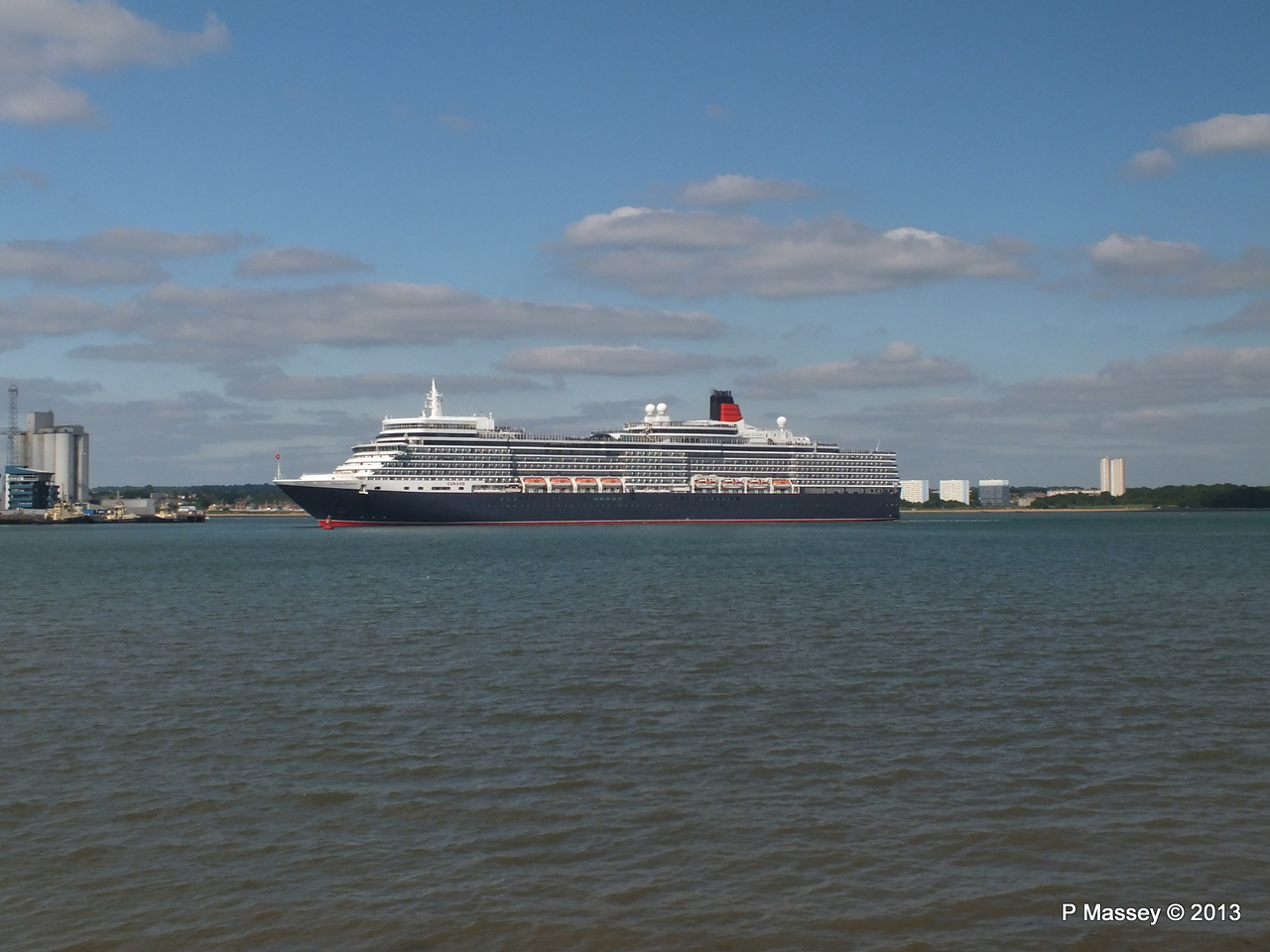 QUEEN ELIZABETH Departs Southampton PDM 09-06-2013 16-50-57