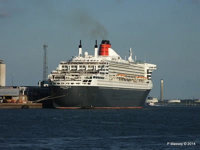 QUEEN MARY 2 Southampton PDM 13-07-2014 19-54-51