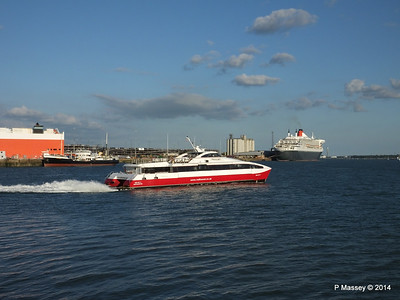 TORRENS QUEEN MARY 2 RED JET 4 Southampton PDM 13-07-2014 19-52-46