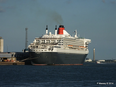 QUEEN MARY 2 Southampton PDM 13-07-2014 19-54-43