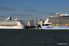 ANTHEM OF THE SEAS Maiden Voyage Passing EXPLORER OF THE SEAS Southampton PDM 22-04-2015 17-37-56