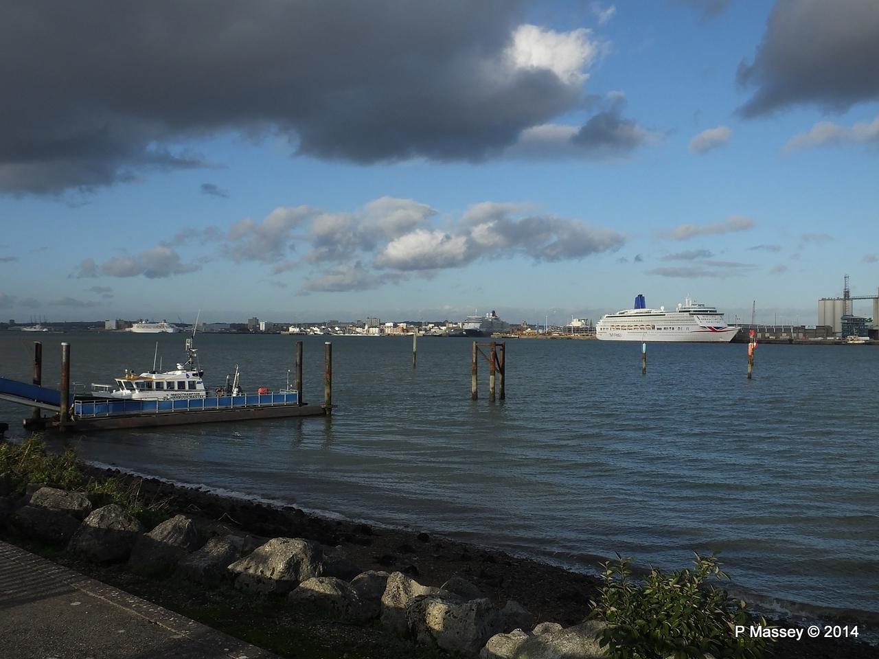 AURORA QUEEN ELIZABETH BALMORAL Southampton PDM 19-12-2014 13-59-18