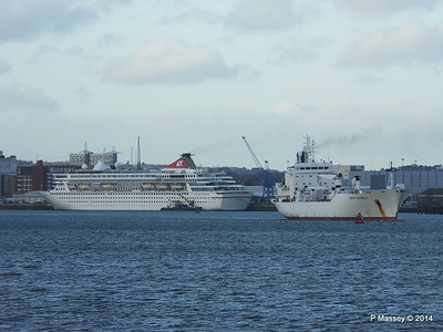 GREEN GUATEMALA passing BALMORAL Southampton PDM 19-12-2014 14-17-002