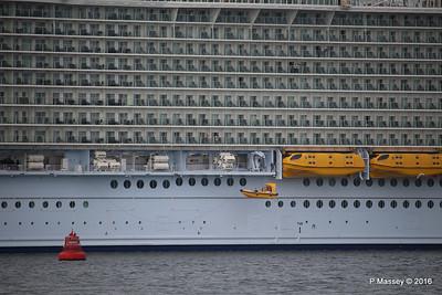 Raising Fastcraft HARMONY OF THE SEAS Southampton PDM 20-05-2016 18-11-52