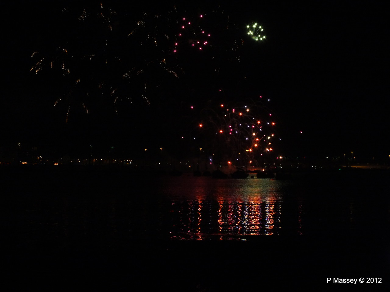 Fireworks off Mayflower Park PDM 03-11-2012 20-51-56