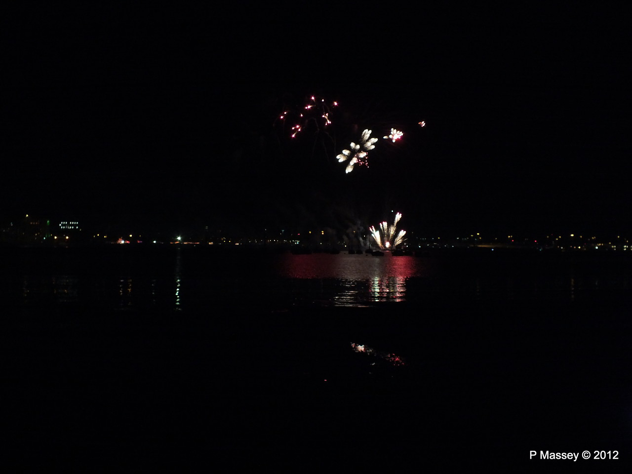 Fireworks off Mayflower Park PDM 03-11-2012 20-44-19