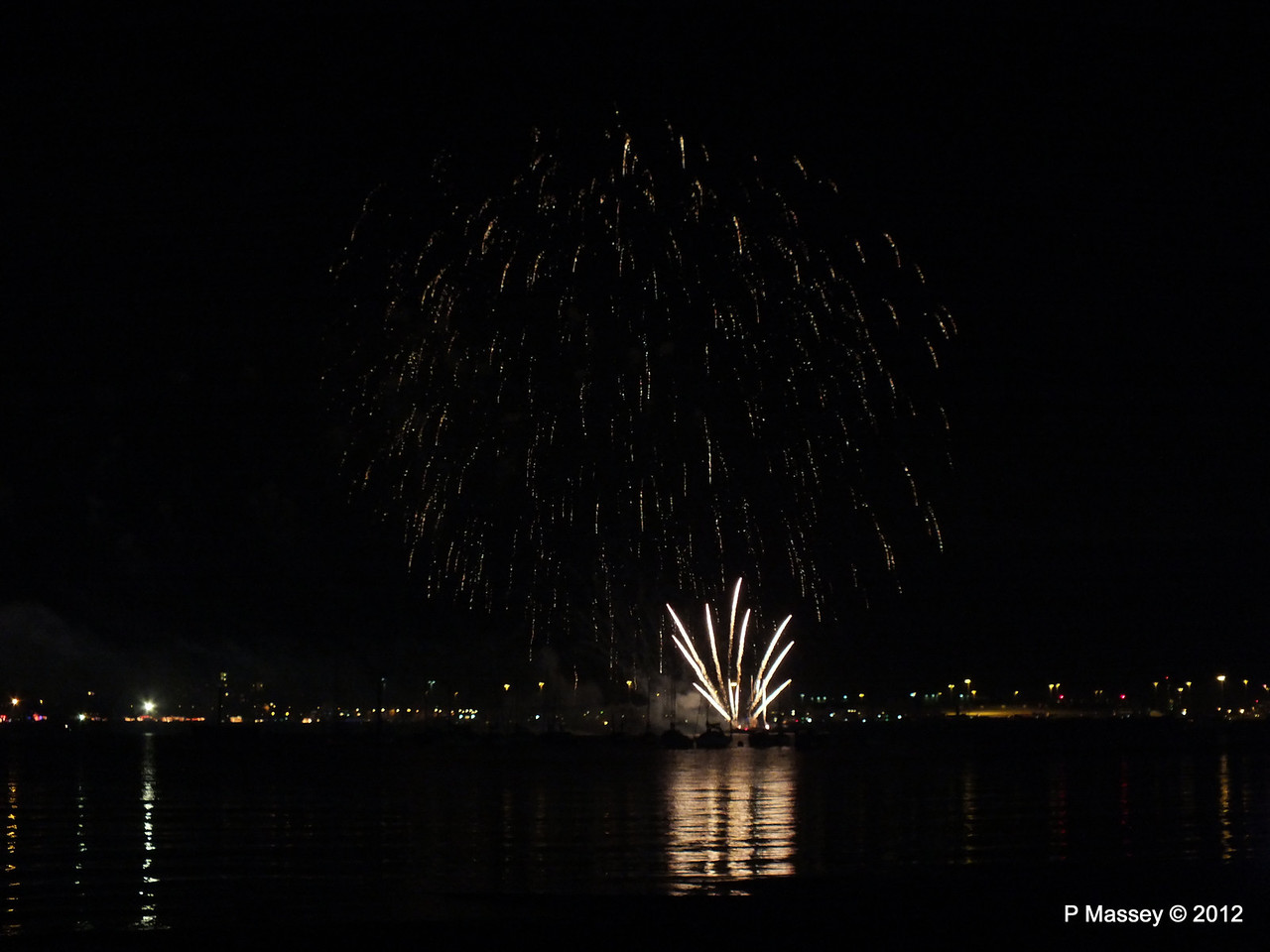 Fireworks off Mayflower Park PDM 03-11-2012 20-55-19