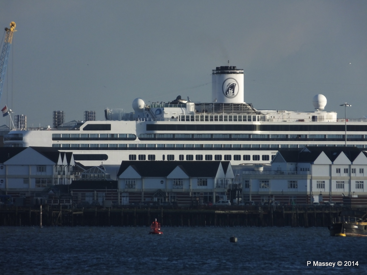 Distant ROTTERDAM over Town Quay Southampton PDM 09-01-2014 14-25-34