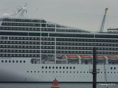 MSC MAGNIFICA Southampton PDM 15-10-2014 10-23-48
