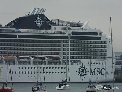 MSC MAGNIFICA Southampton PDM 15-10-2014 10-23-45