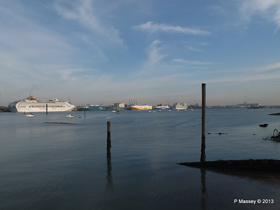 OCEANA AUTO BAY GRANDE ROMA EUROCARGO SALERNO AIDASOL QM2 PDM 26-11-2013 13-18-34