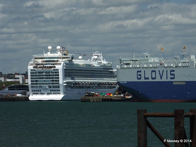 AZURA GLOVIS SUPREME Southampton PDM 08-06-2014 13-17-12