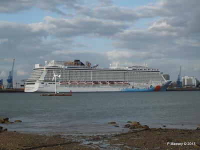NORWEGIAN BREAKAWAY Southampton PDM 29-04-2013 18-44-32