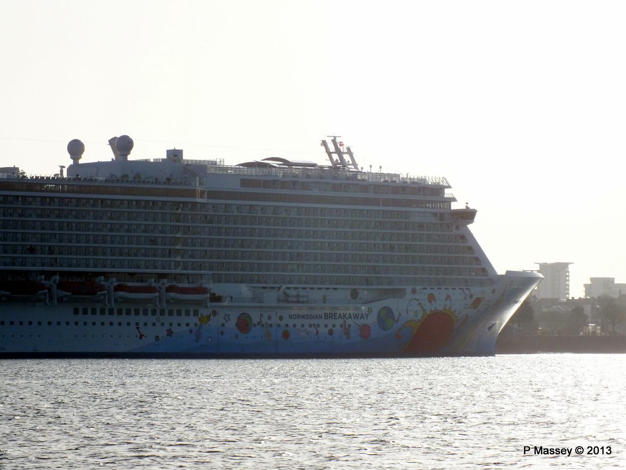 NORWEGIAN BREKAWAY Arrives Southampton PDM 29-04-2013 07-40-04