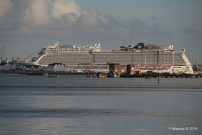 NORWEGIAN ESCAPE over Town Quay Southampton PDM 28-10-2015 15-23-09