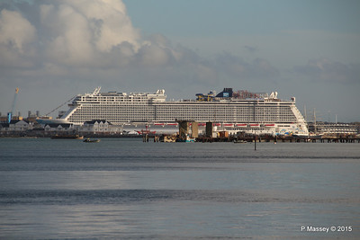 NORWEGIAN ESCAPE over Town Quay Southampton PDM 28-10-2015 15-22-58