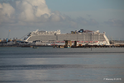 NORWEGIAN ESCAPE over Town Quay Southampton PDM 28-10-2015 15-23-03
