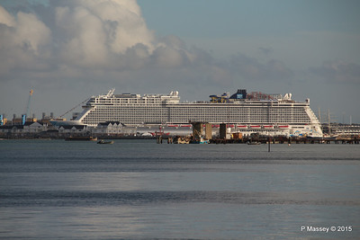 NORWEGIAN ESCAPE over Town Quay Southampton PDM 28-10-2015 15-22-57