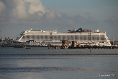 NORWEGIAN ESCAPE over Town Quay Southampton PDM 28-10-2015 15-23-07