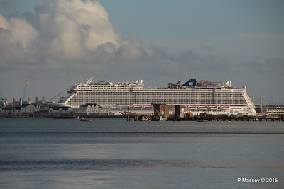 NORWEGIAN ESCAPE over Town Quay Southampton PDM 28-10-2015 15-23-06
