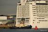 SVITZER ESTON NORWEGIAN EPIC Southampton PDM 26-09-2015 16-46-33