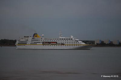 HAMBURG Departing Southampton PDM 07-05-2015 20-09-09