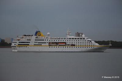 HAMBURG Departing Southampton PDM 07-05-2015 20-09-58