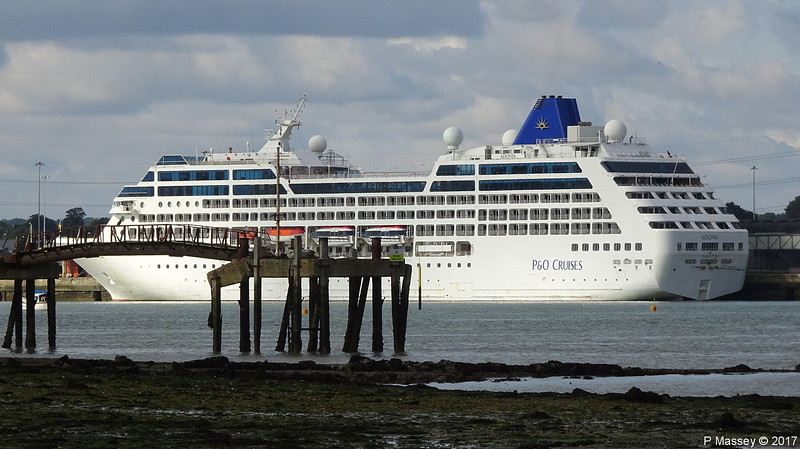 ADONIA over Husbands Jetty Southampton PDM 17-09-2017 14-33-57