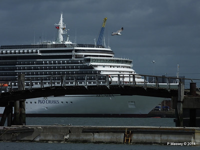 ARCADIA Through Husbands Jetty Southampton PDM 09-05-2014 11-19-53