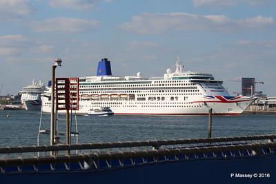 AURORA Departing Passing BRITANNIA Southampton PDM 16-05-2016 17-11-41