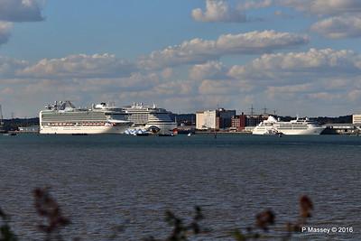 AZURA Outbound Passing AIDAprima SILVER WIND Southampton PDM 29-08-2016 18-13-25