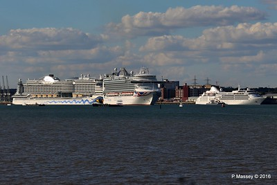 AZURA Outbound Passing AIDAprima SILVER WIND Southampton PDM 29-08-2016 18-15-59a