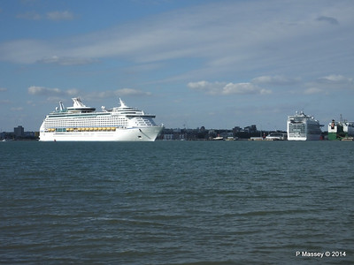 ADVENTURE OF THE SEAS passing AZURA Southampton PDM 31-08-2014 16-39-45