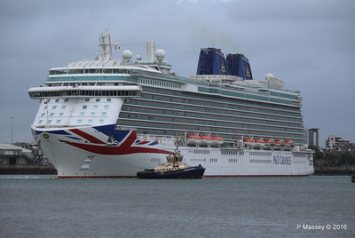 BRITANNIA Departing Southampton PDM 20-08-2016 19-13-50