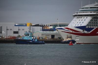 LOMAX Passing SVITZER ESTON BRITANNIA Southampton PDM 20-08-2016 19-03-34