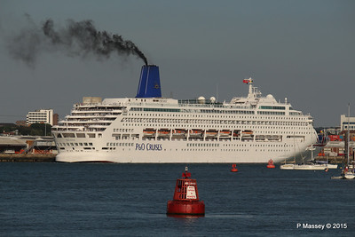 10 Sep 2015 ORIANA Alongside & Moving Off