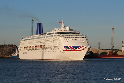 ORIANA Departing Southampton PDM 03-10-2016 17-31-57
