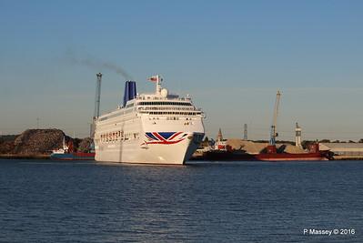 ORIANA Departing Southampton PDM 03-10-2016 17-31-38