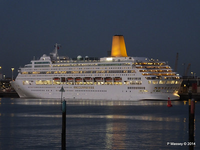 6 Dec 2014 ORIANA Outbound Southampton