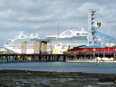 CROWN PRINCESS over Husbands Jetty PDM 28-10-2013 12-21-49