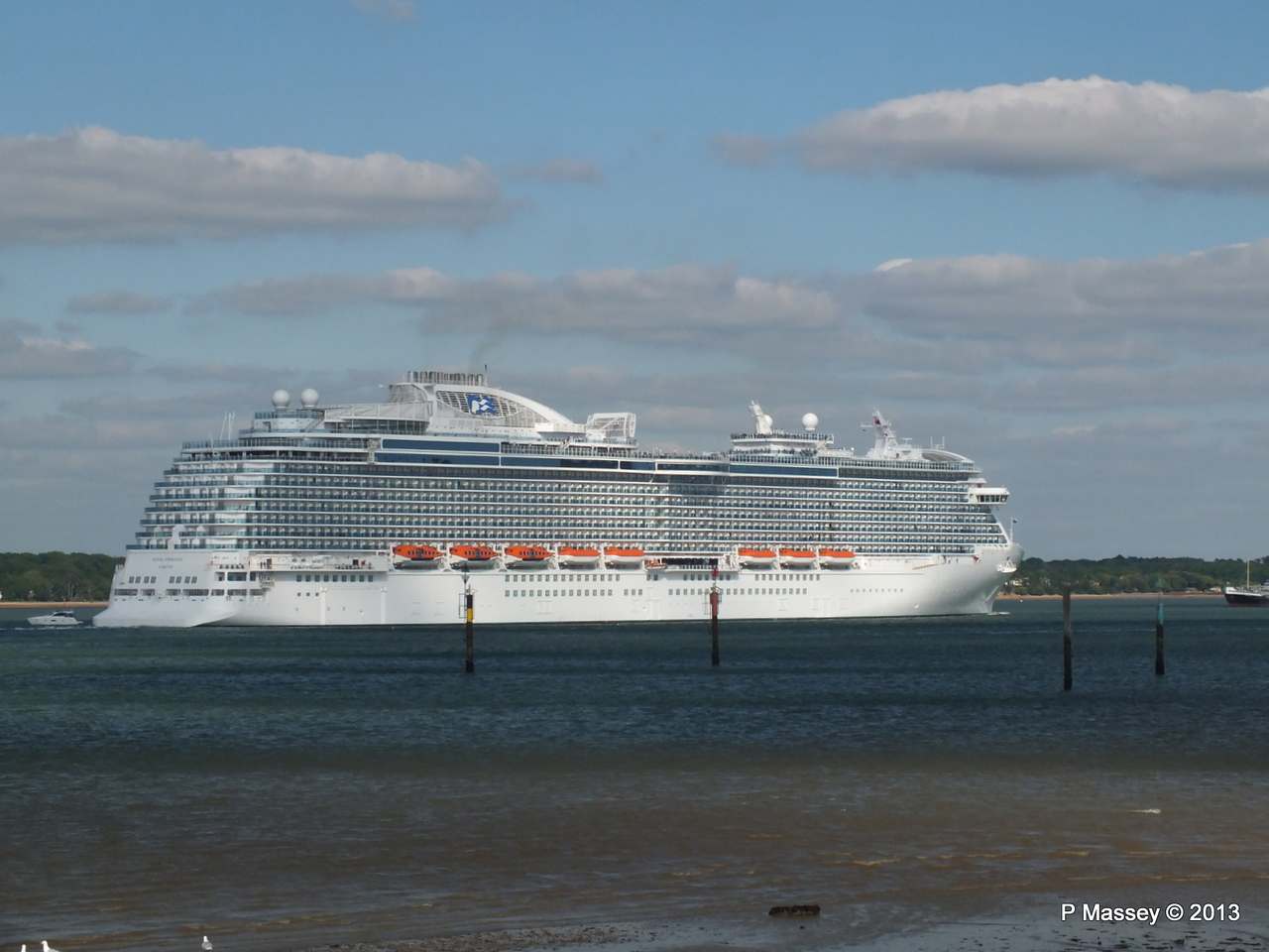 ROYAL PRINCESS Departing Southampton PDM 09-06-2013 17-24-28