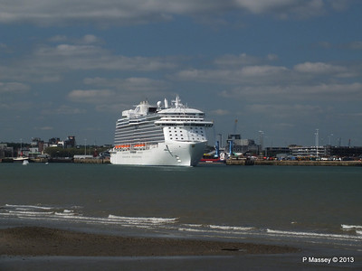 ROYAL PRINCESS Departing Southampton PDM 09-06-2013 17-17-06