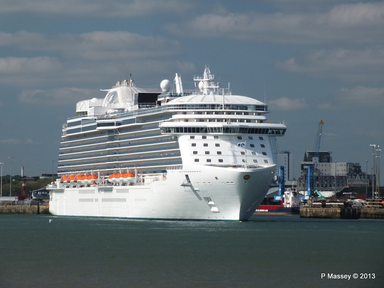 ROYAL PRINCESS Departing Southampton PDM 09-06-2013 17-17-12