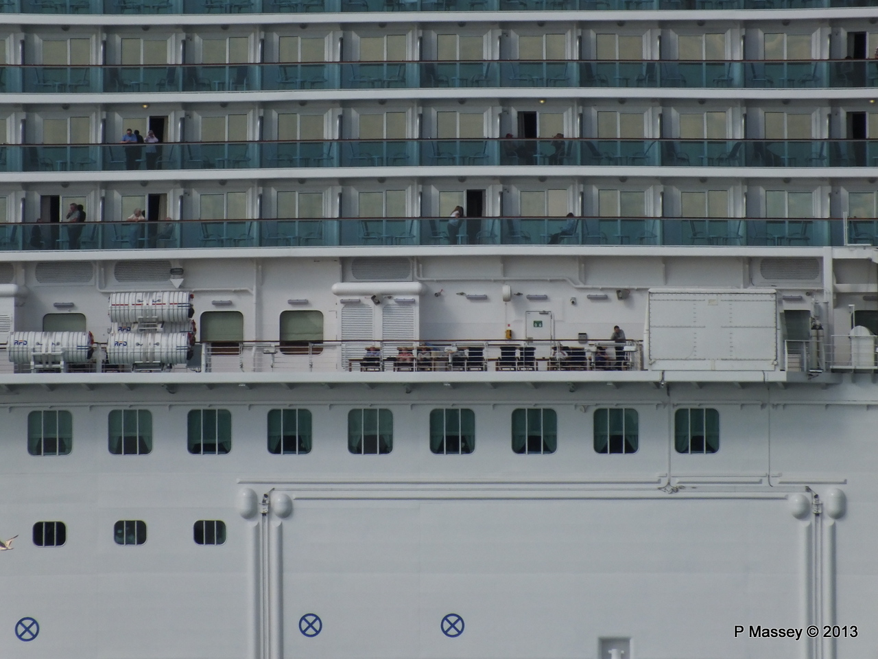 ROYAL PRINCESS Departing Southampton PDM 09-06-2013 17-22-12