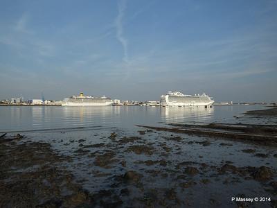 RUBY PRINCESS Passes COSTA MEDITERRANEA Southampton PDM 08-09-2014 17-44-026