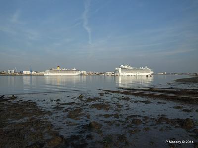 RUBY PRINCESS Passes COSTA MEDITERRANEA Southampton PDM 08-09-2014 17-44-028