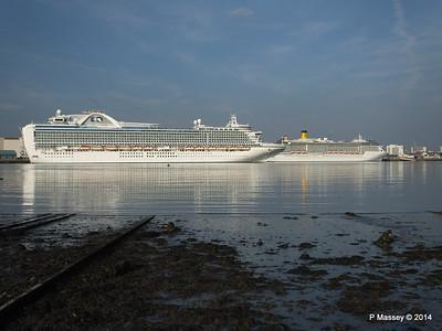 RUBY PRINCESS Passes COSTA MEDITERRANEA Southampton PDM 08-09-2014 17-41-011