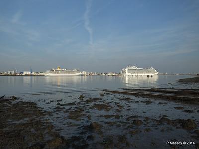 RUBY PRINCESS Passes COSTA MEDITERRANEA Southampton PDM 08-09-2014 17-44-040