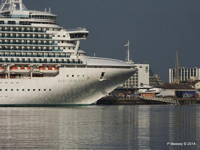 RUBY PRINCESS Passes COSTA MEDITERRANEA Southampton PDM 08-09-2014 17-41-059
