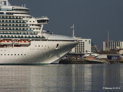 RUBY PRINCESS Passes COSTA MEDITERRANEA Southampton PDM 08-09-2014 17-41-056